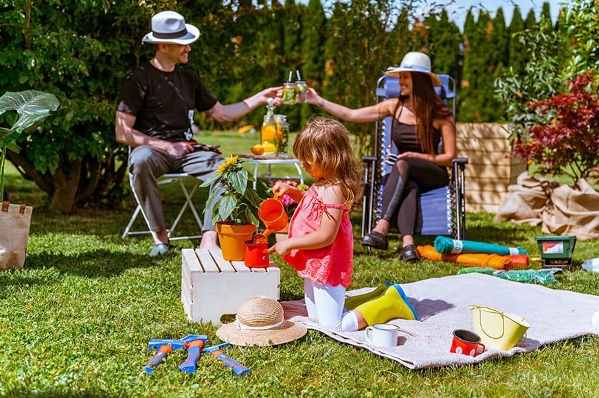 Uživajte na vrtu v vsakem trenutku dneva